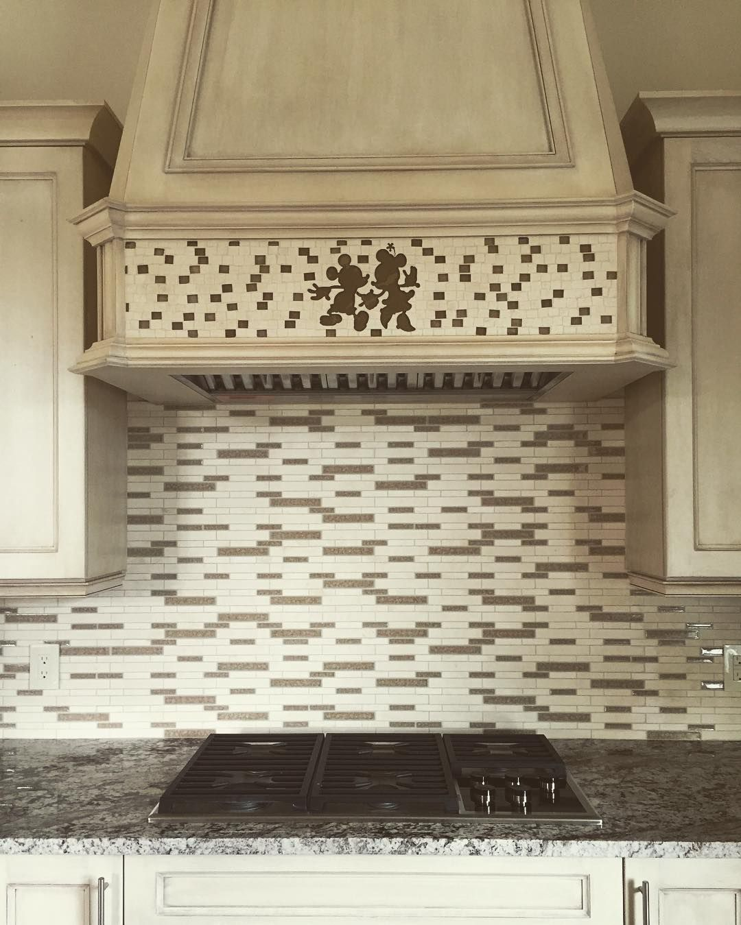 Would Like To Have This Kitchen Mickey Amp Minnie Mickey S Kitchen Pinterest Kitchens