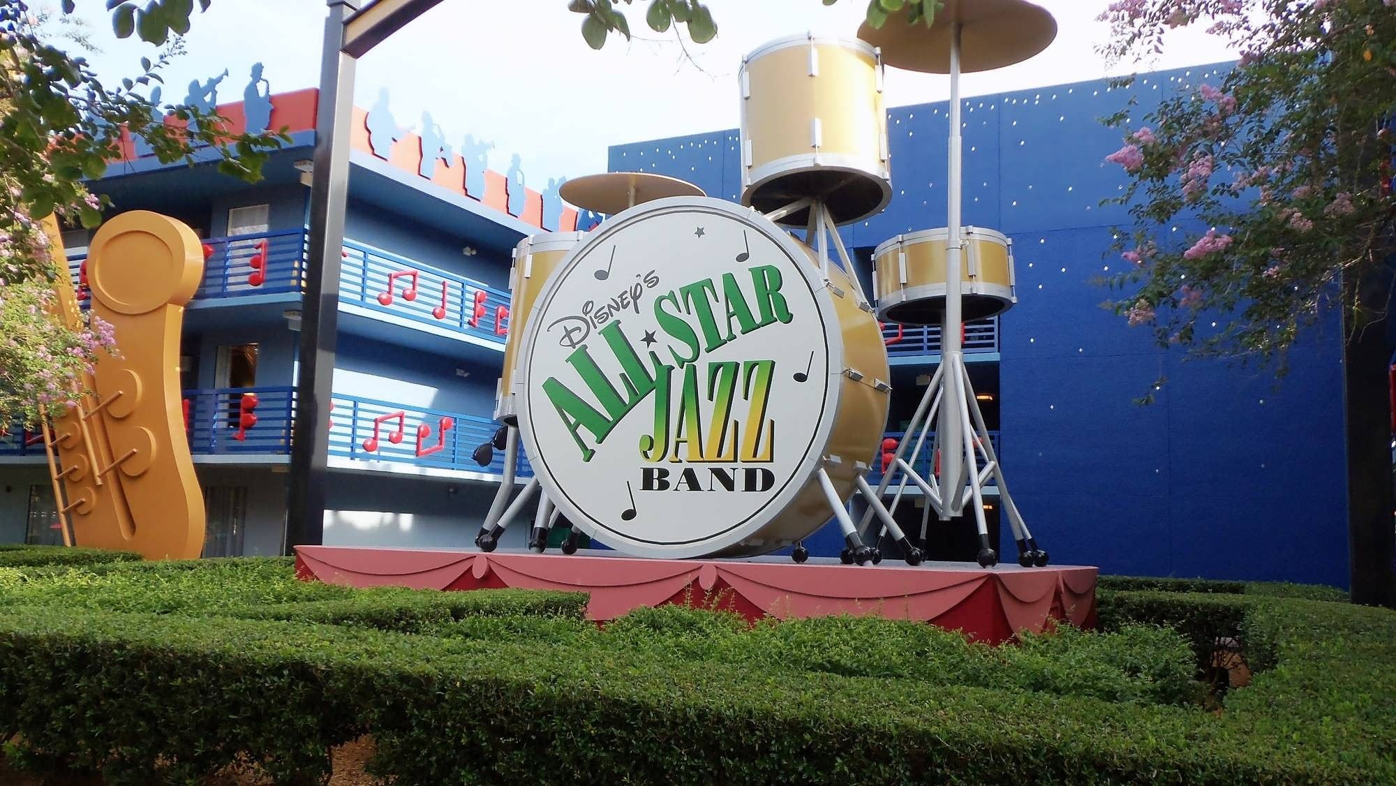 Lazy Boy Sofa Family suites at Disney us All Star Music Resort Better than expected u even the