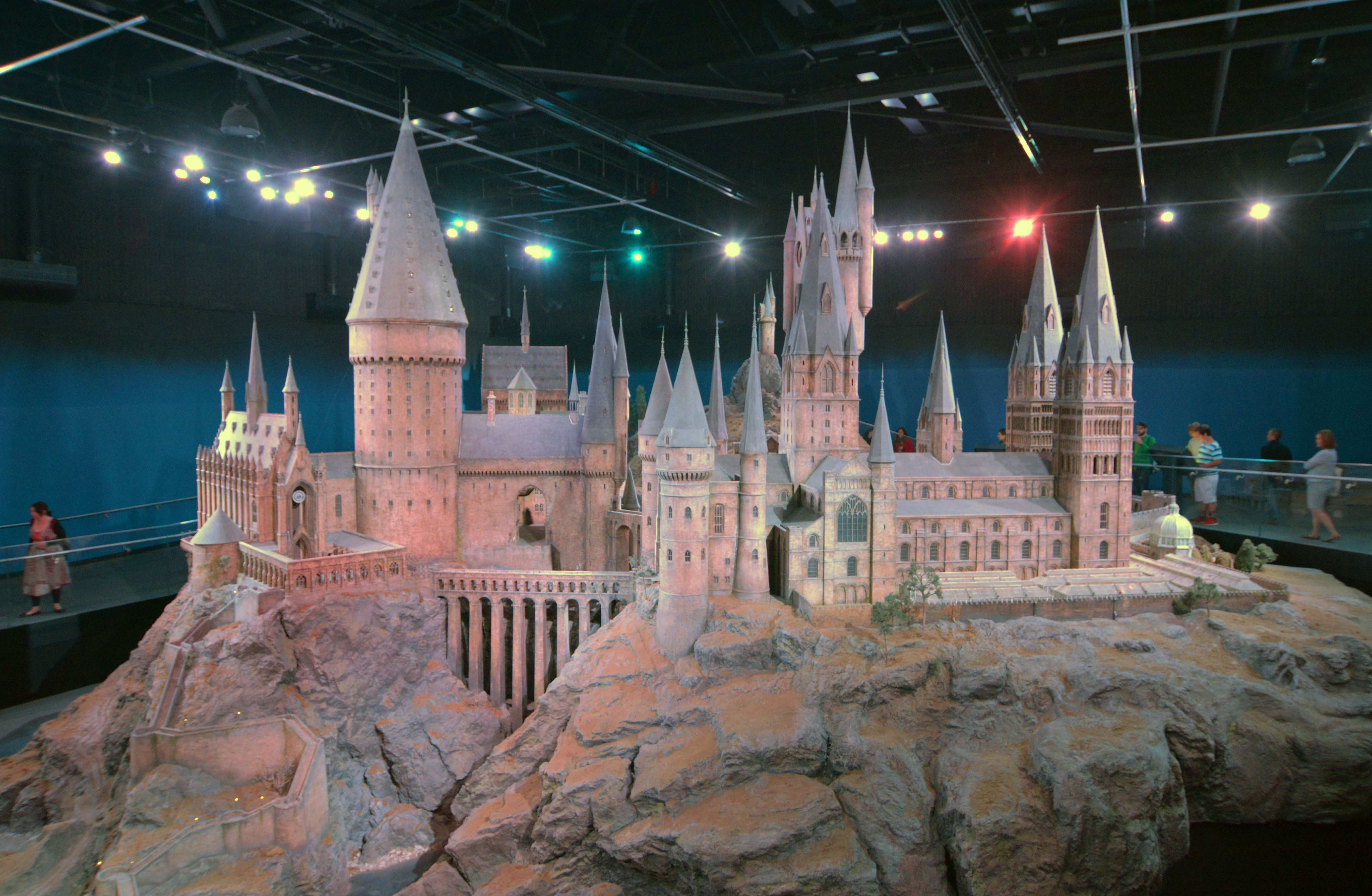 d057828c5cfcf3ff60a9e23f839ce959 - How Do I Get To Harry Potter World From London