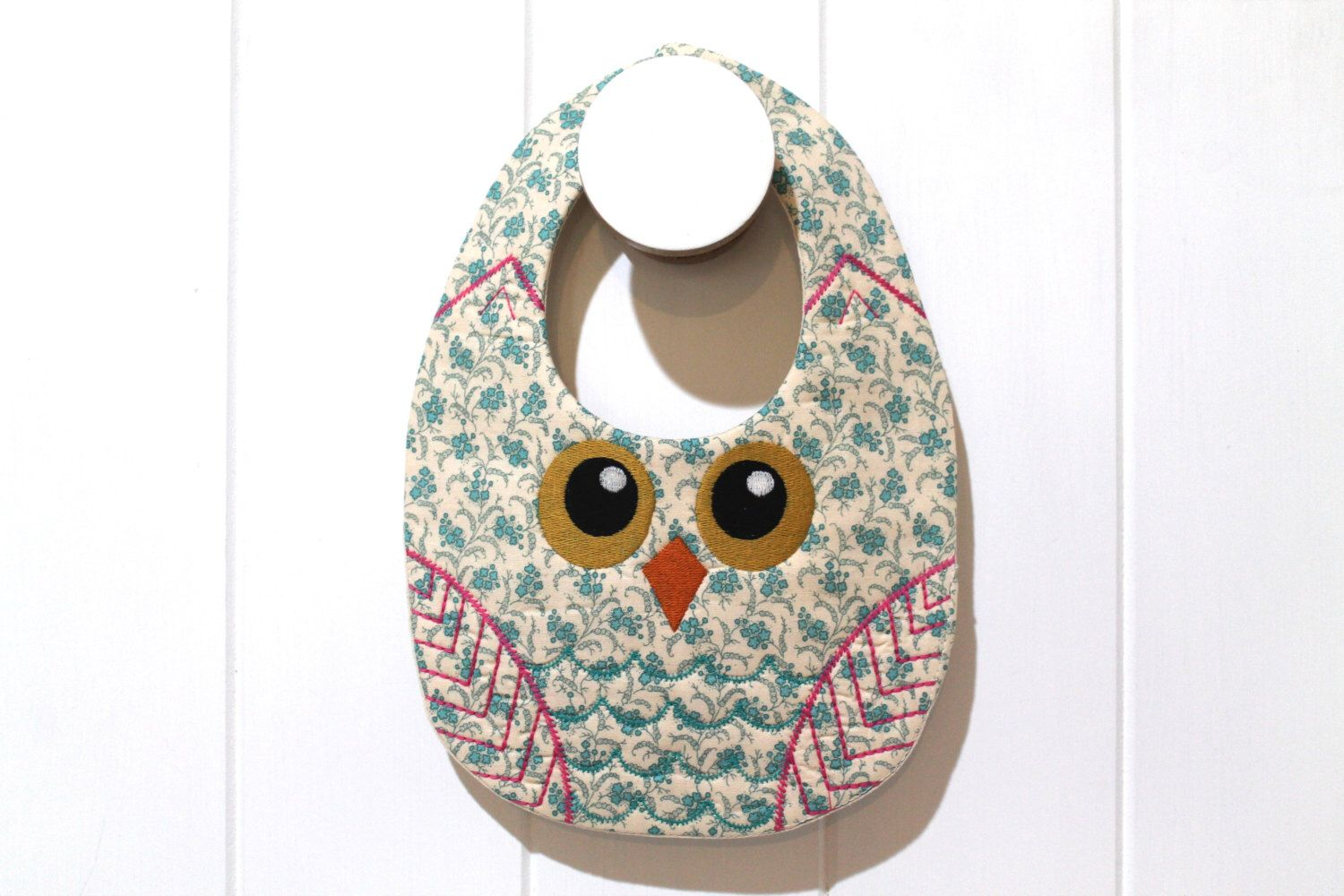 A personal favourite from my Etsy shop https://www.etsy.com/au/listing/473776738/ith-in-the-hoop-baby-owl-bib-machine