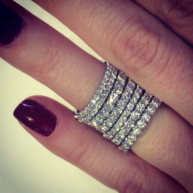 Scallop set wedding bands in platinum who says you have to stick