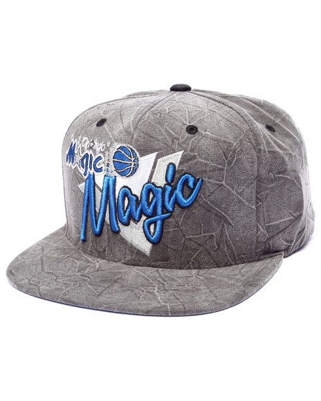 f18015b73d3 The Orlalndo Magic Crease Triangle Script Snapback Hat by Mitchell   Ness! Chicago  BullsSnapback ...