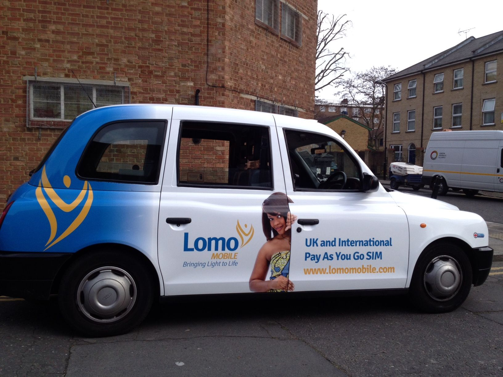 Lomo Mobile call on #London Taxi Advertising as part of their #UK launch http://www.londontaxiadvertising.com/news/lomo-mobile-call-london-taxi-advertising-part-uk-launch/3911/ #advertisingcampaign