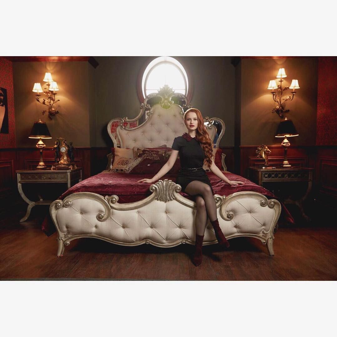 Epic 18 Best Cheryl Blossom Outfits Ideas https://fazhion.co/18