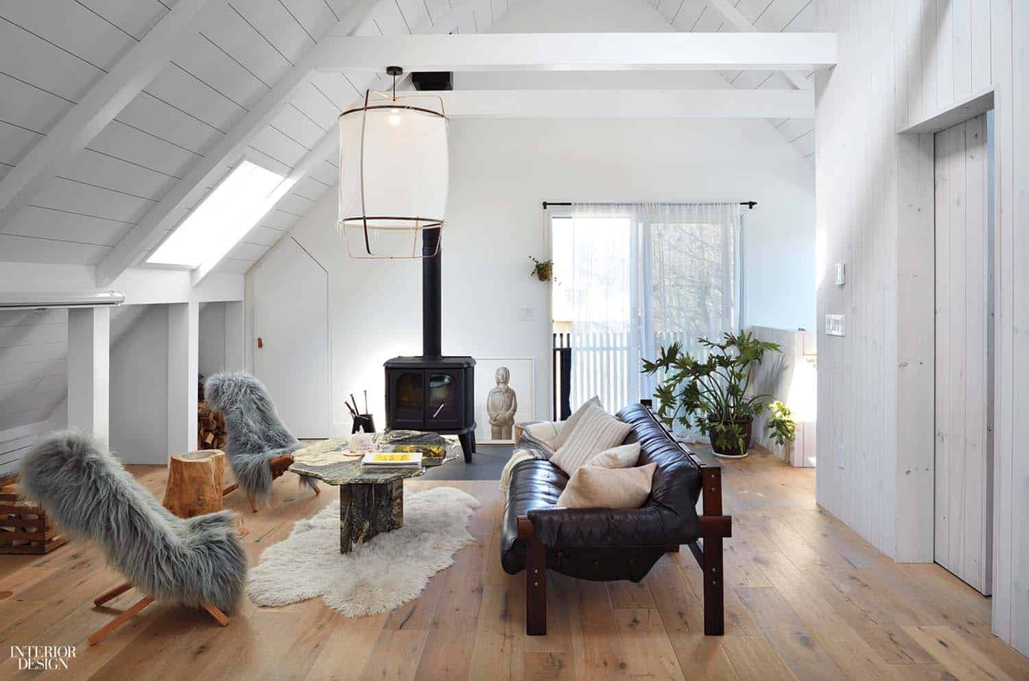 Beach Retreat With Scandinavian Style Interiors In Montauk Surf House Scandinavian Style Interior Surf House House Design