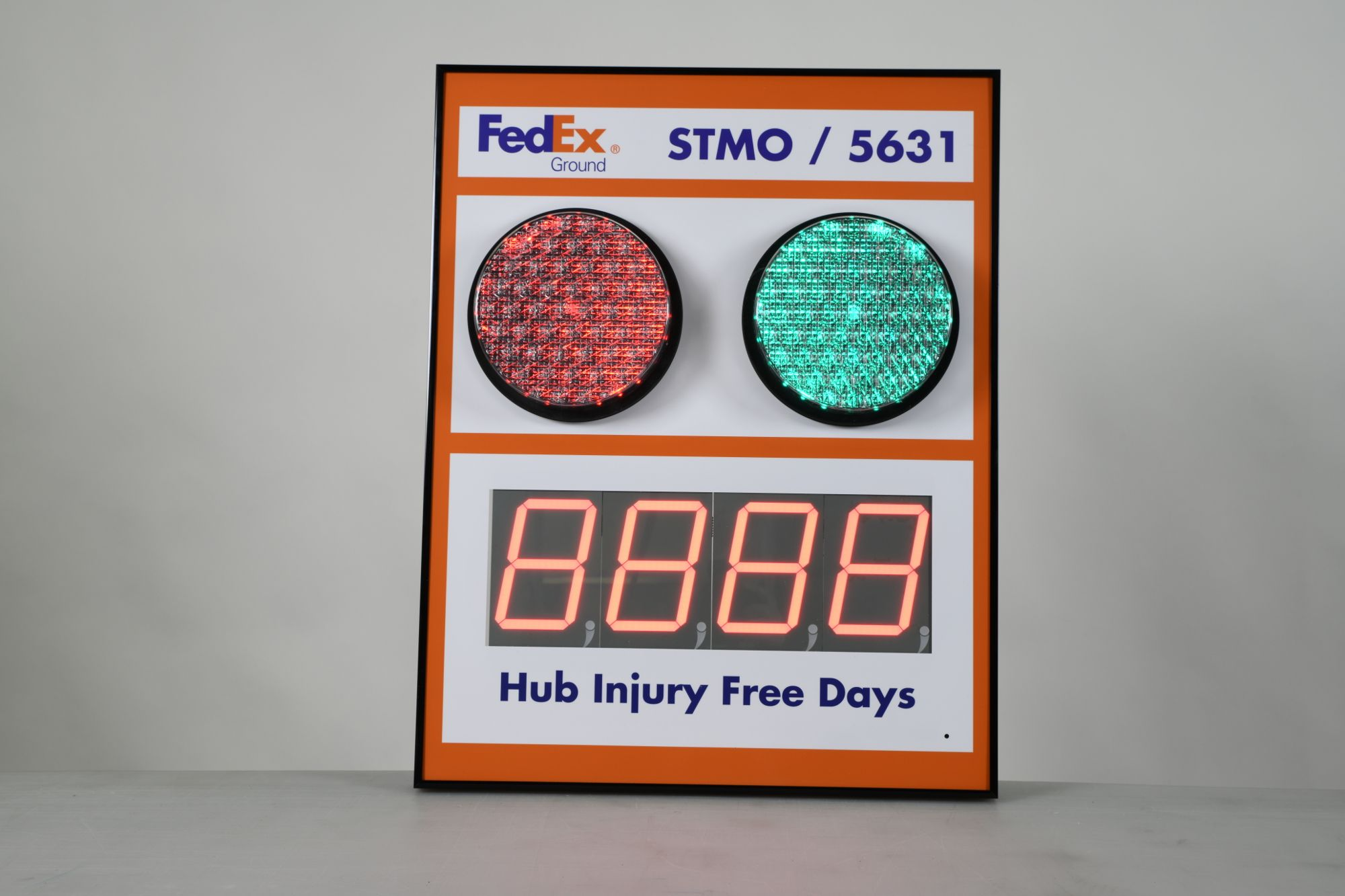 "Stoplight Days Since Last Accident Sign with 5"" Counter"