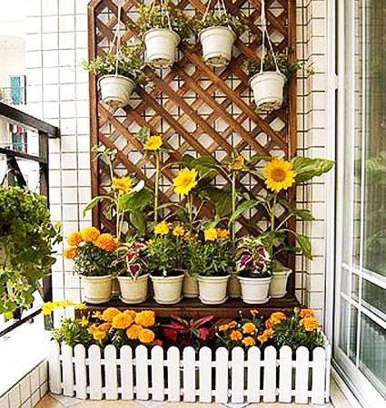 22 Smart Balcony Designs With Space Saving Furniture And Planters Small Balcony Garden Vertical Garden Design Apartment Balcony Garden