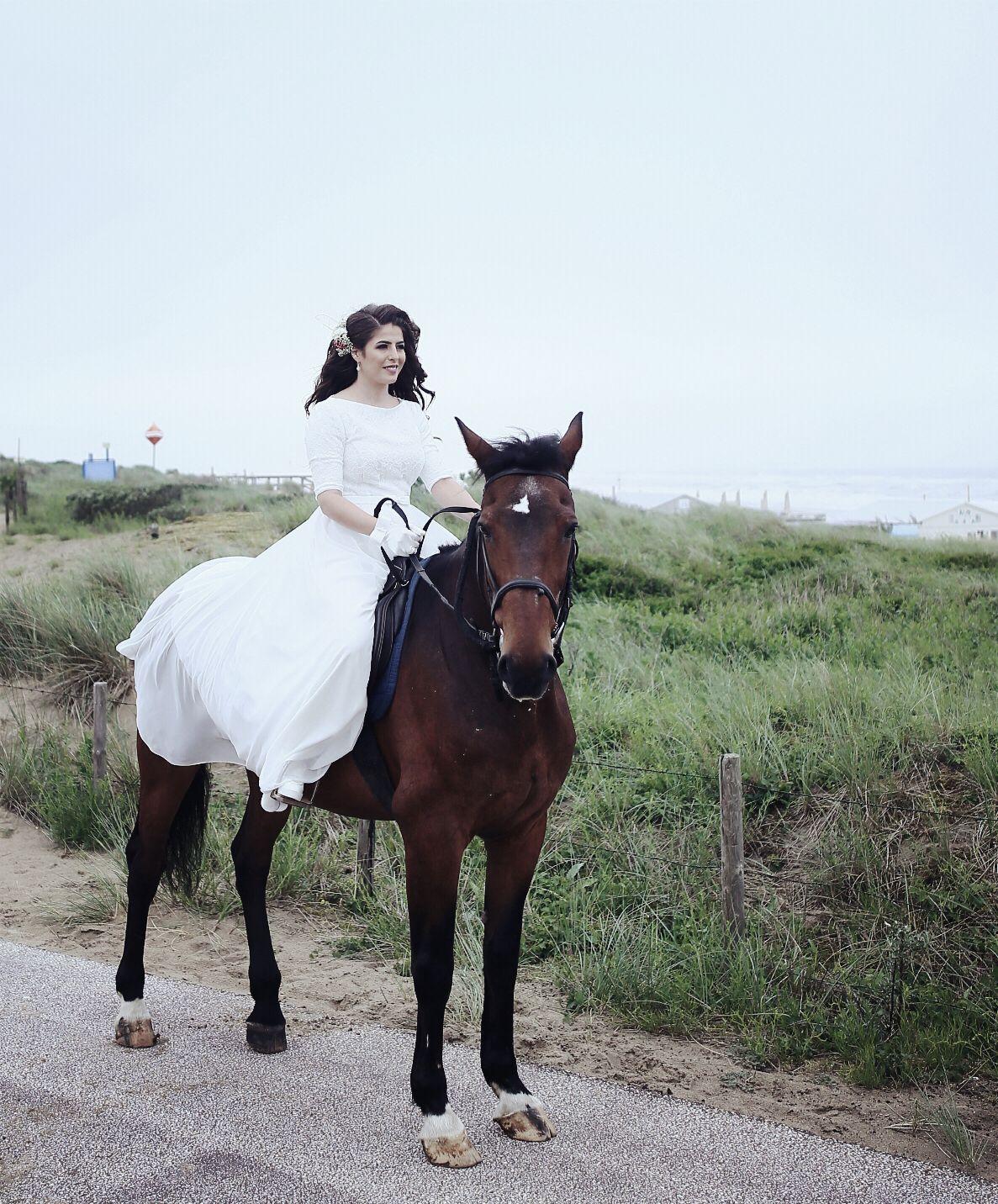 Wedding shoot horse den haag netherlands