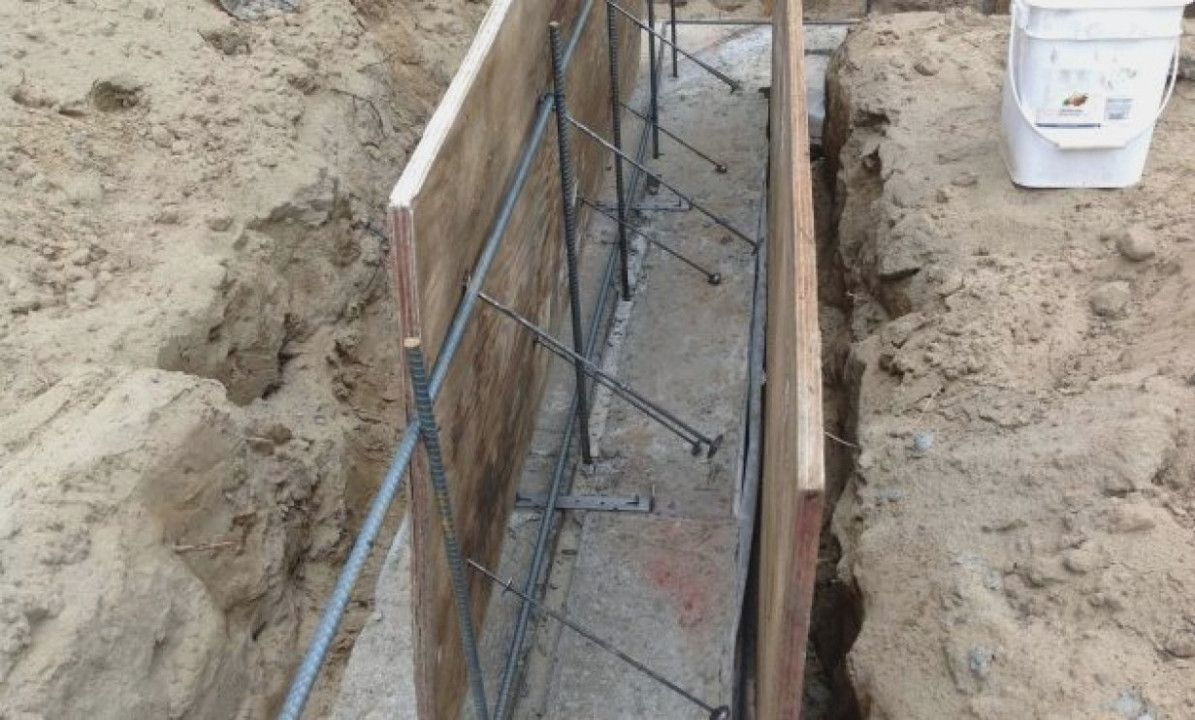 Concrete Wall Form Ties And Function The Logs End For Plywood Forms In 2020 Concrete Wall Concrete Concrete Formwork
