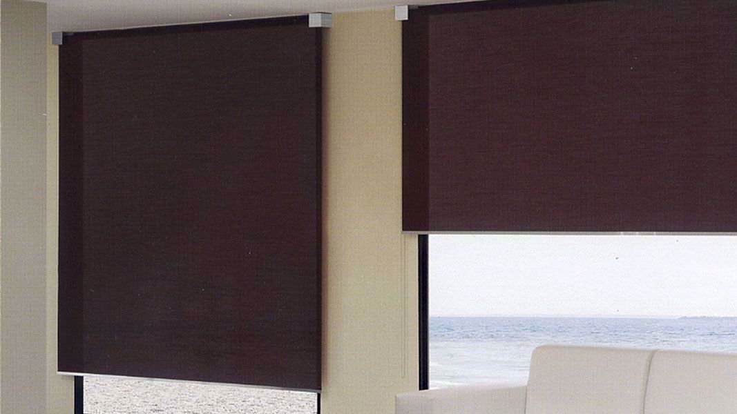 Tende Avvolgibili A Rullo.Tende Avvolgibili Per Interni Tende A Rullo With Tende Avvolgibili Per Interni Tende A Rullo Per Esterni Screeny I In 2020 Roller Blinds Blinds Outdoor Roller Blinds