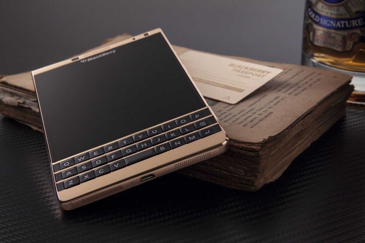 blackberry passport silver 18k rose gold edition golden