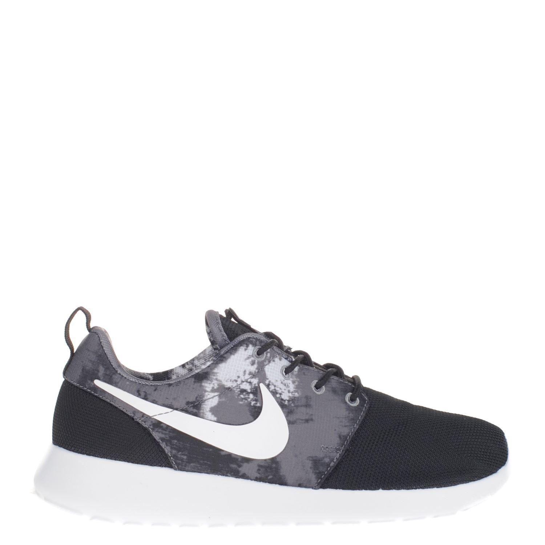 Nike Dames Sneakers Rosh Run Print | Vintage nike, Nike mode ...