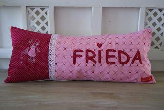 Kissen mit Namen Frieda,Stickerei Lou Lou Little Girl, PedisHandmade