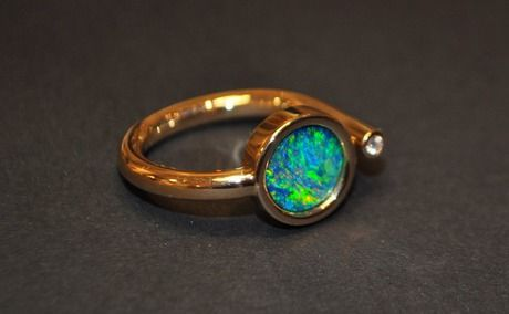 Opal Ring with Brilliant (Rose Gold).