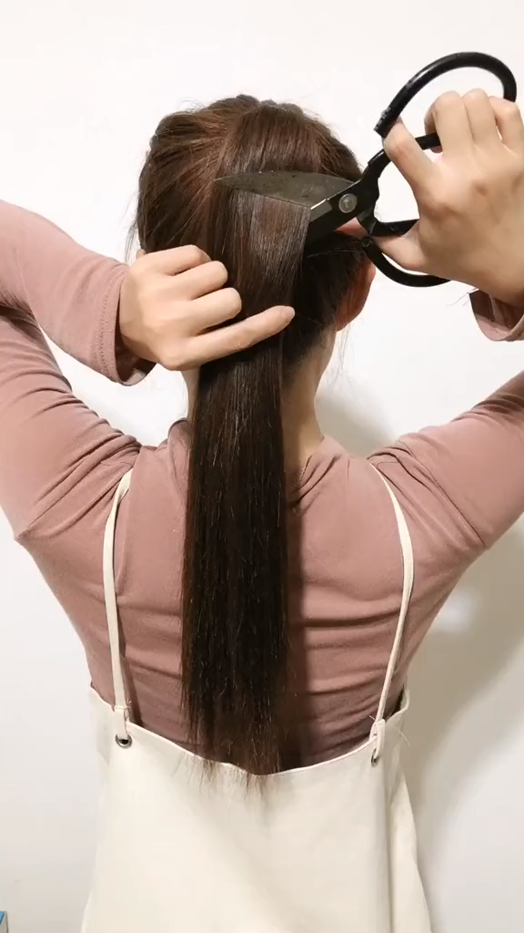 Ponytail Tutorial Video Easy Quick Long Hairstyles Part 8 Easy Hairstyleforwomenvideos Long Hair Styles Long Hair Girl Short Hair Styles Easy