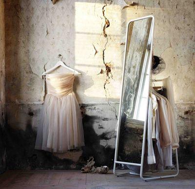 Dressing pas cher sur mesure pour petite chambre | Euro, Bureaus and ...