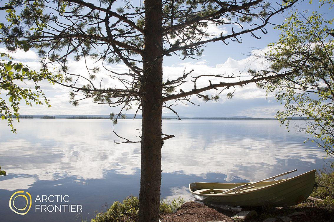 MAANANTAI - Ota upeita valokuvia arktisen luonnon kuvankauniista tuntureista, järvistä ja metsistä. Tutustu Pallas-Ylläksen Kansallispuistoon Lapin luonnon sydämessä. Tämä opastettu valokuvausseikkailu muuttaa näkemyksesi luonnosta kameran linssin kautta. Liity arvostetun maisemakuvaajan tohtori Juha Tolosen seuraan seikkailulle paikkoihin, joita näkee vain valokuvissa! Tuo oma kamera, tarvittaessa lainaamme DSLR Nikon -kameran sekä Manfrotto -jalustan (englanninkielinen opastus)Hinta…