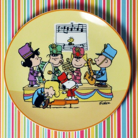 For Sale – Peanuts Decorative Plates –  Decorate your home with delightful scenes of the playful Snoopy, Charlie Brown and Peanuts Gang. A number of the fanciful plates by Schmid have been added to the shop at CollectPeanuts.com.