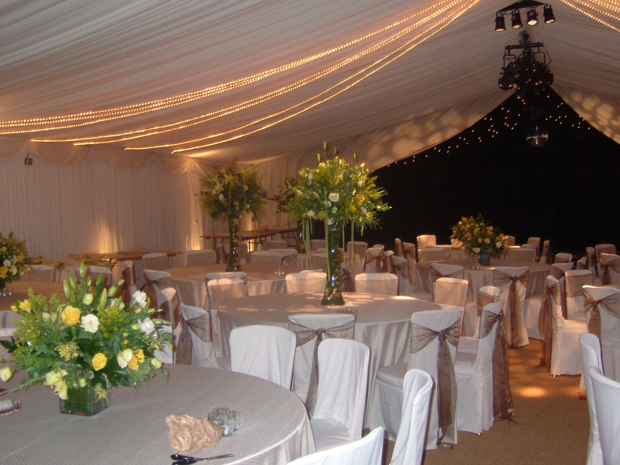 Lighting Makes A Marquee Look So Beautiful Especially In The Winter For A Wedding Or A Winter Wedding Inspiration Winter Wedding Wedding Inspiration