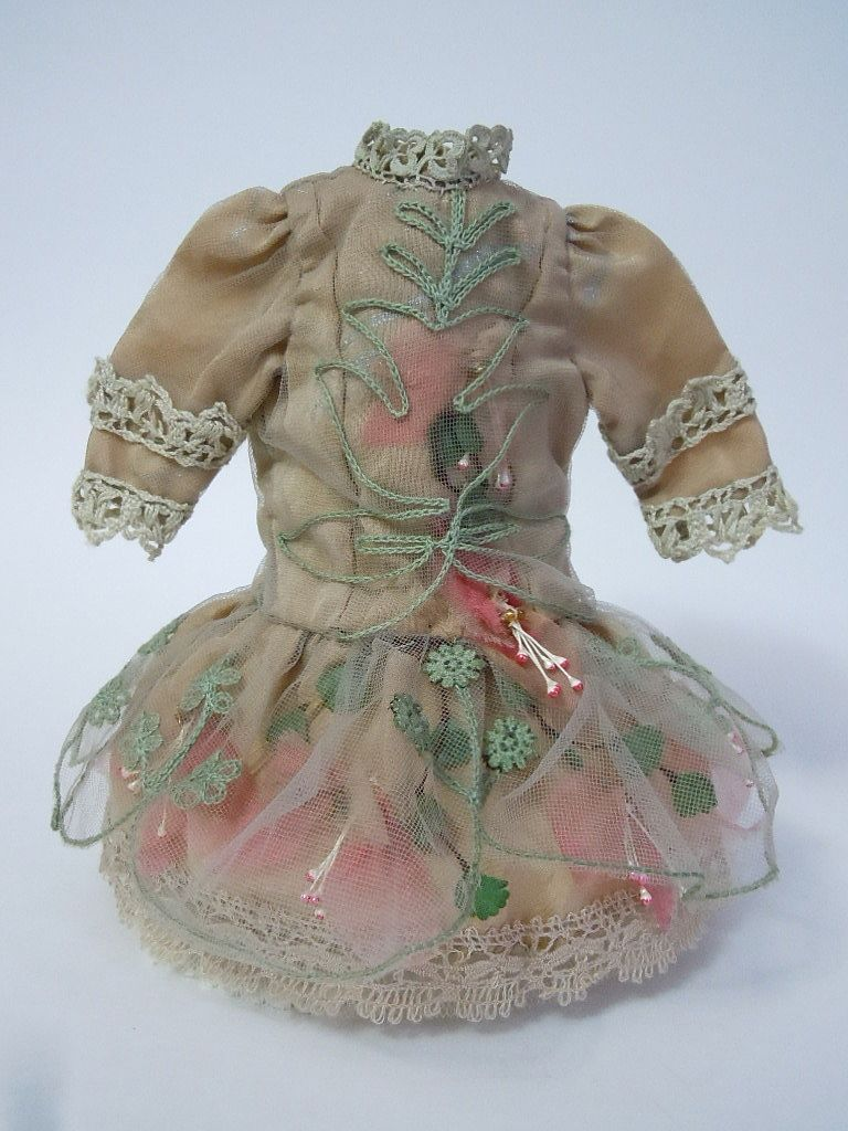 """Gorgeous french Bebe Tiny Dress Hat Lace silk doll Costume for 11/12"""" from believe on Ruby Lane"""