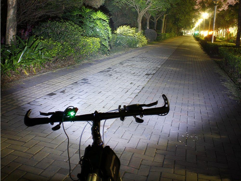 9b2dd8f93eea SolarStorm X2 kerékpár reflektor   Bringa kellékek, kiegészítők ...