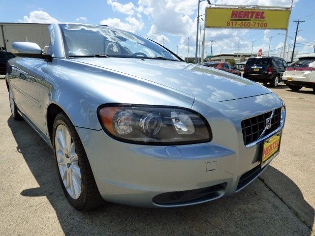 Drop Top Gorgeous Enjoy Cruising This Summer In Your 2006 Volvo