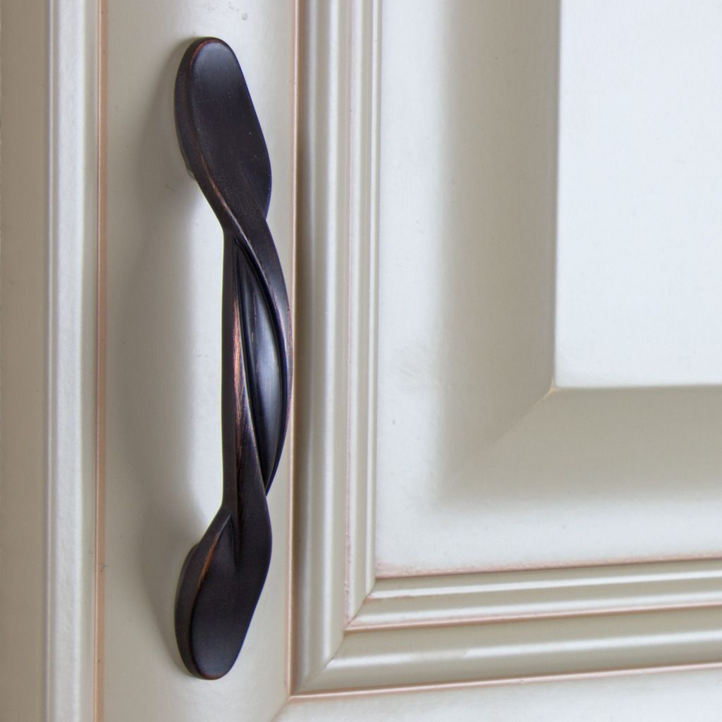 Upgrade Your Cabinets With This Oil Rubbed Bronze Twisted Cabinet Bar Pull By Gliderite Hardware Is A Perfect Replacement For Any 3
