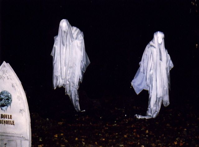 Yard Haunt in Brewster, NY! Halloween \u002703 Gallery Ghostly - diy outdoor halloween props