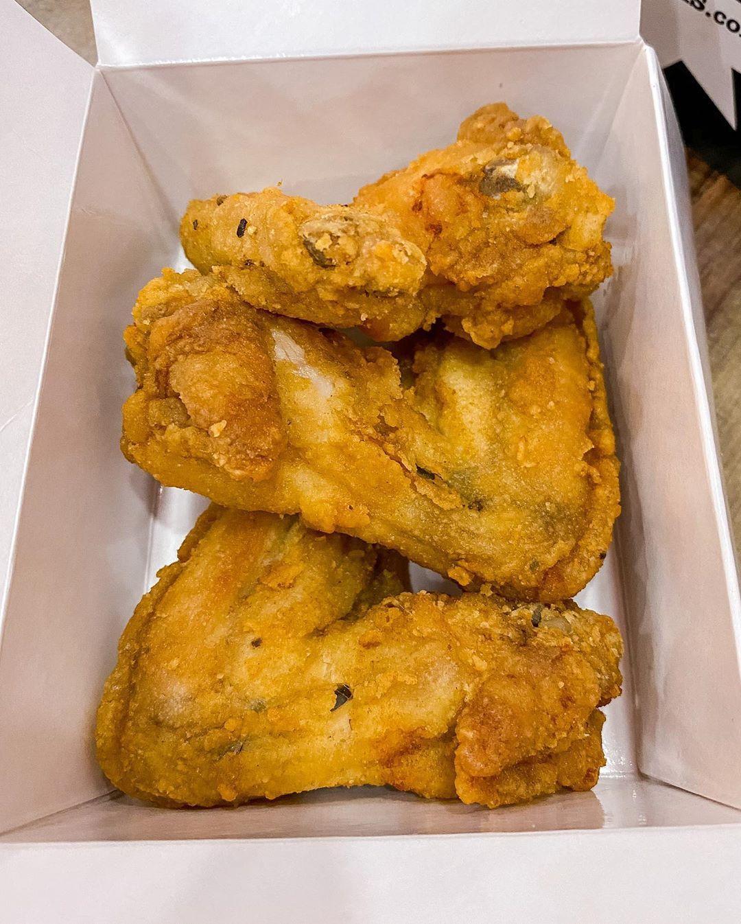 Jaqks Chicken Chips Halal Original Jumbo Wings Jaqkschickenandchips Birmingham Bham Jaqks Takeaway Friedc In 2020 Chicken And Chips Halal Recipes Foodie