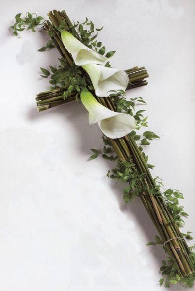 Stroik Na Grob Wszystkich Swietych Palma Krzyz Funeral Flowers Funeral Flower Arrangements Funeral Floral Arrangements