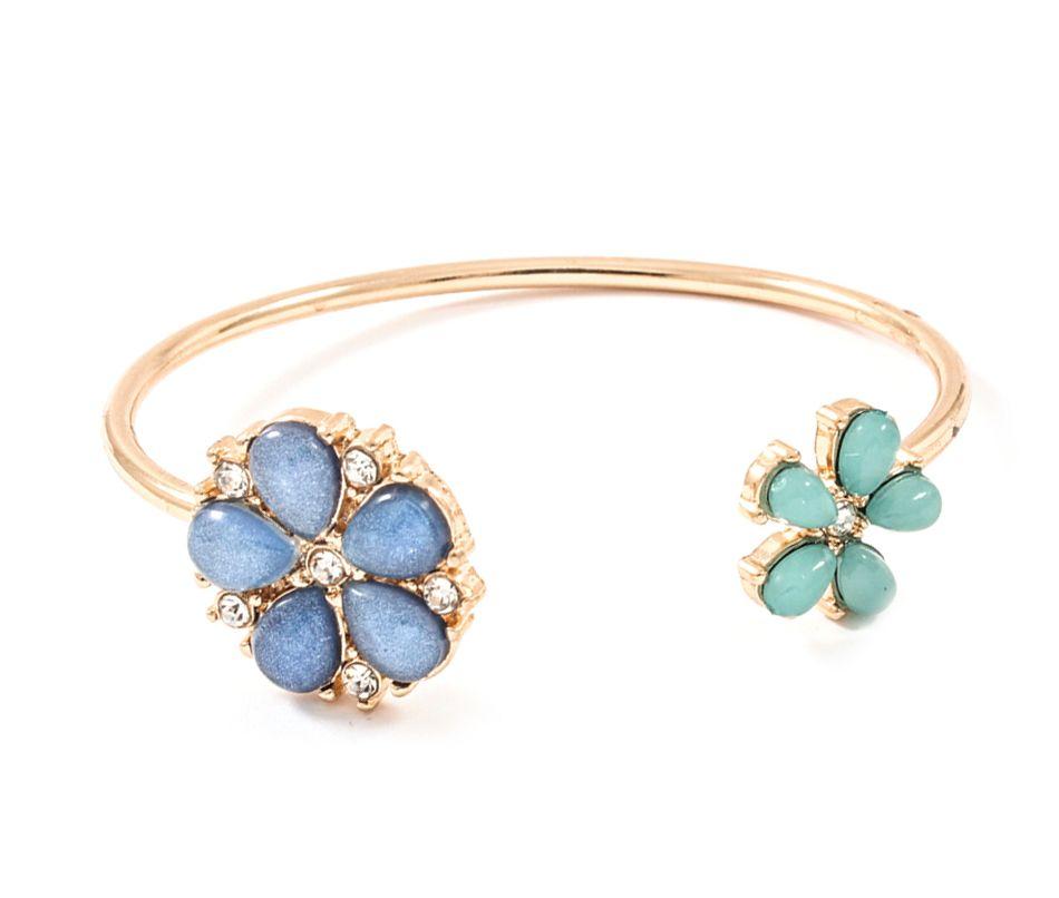 dainty flower bracelet
