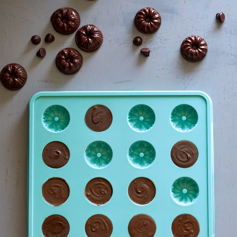 Fluted Chocolate Mold   Gifts   Chocolate molds, Chocolate candy