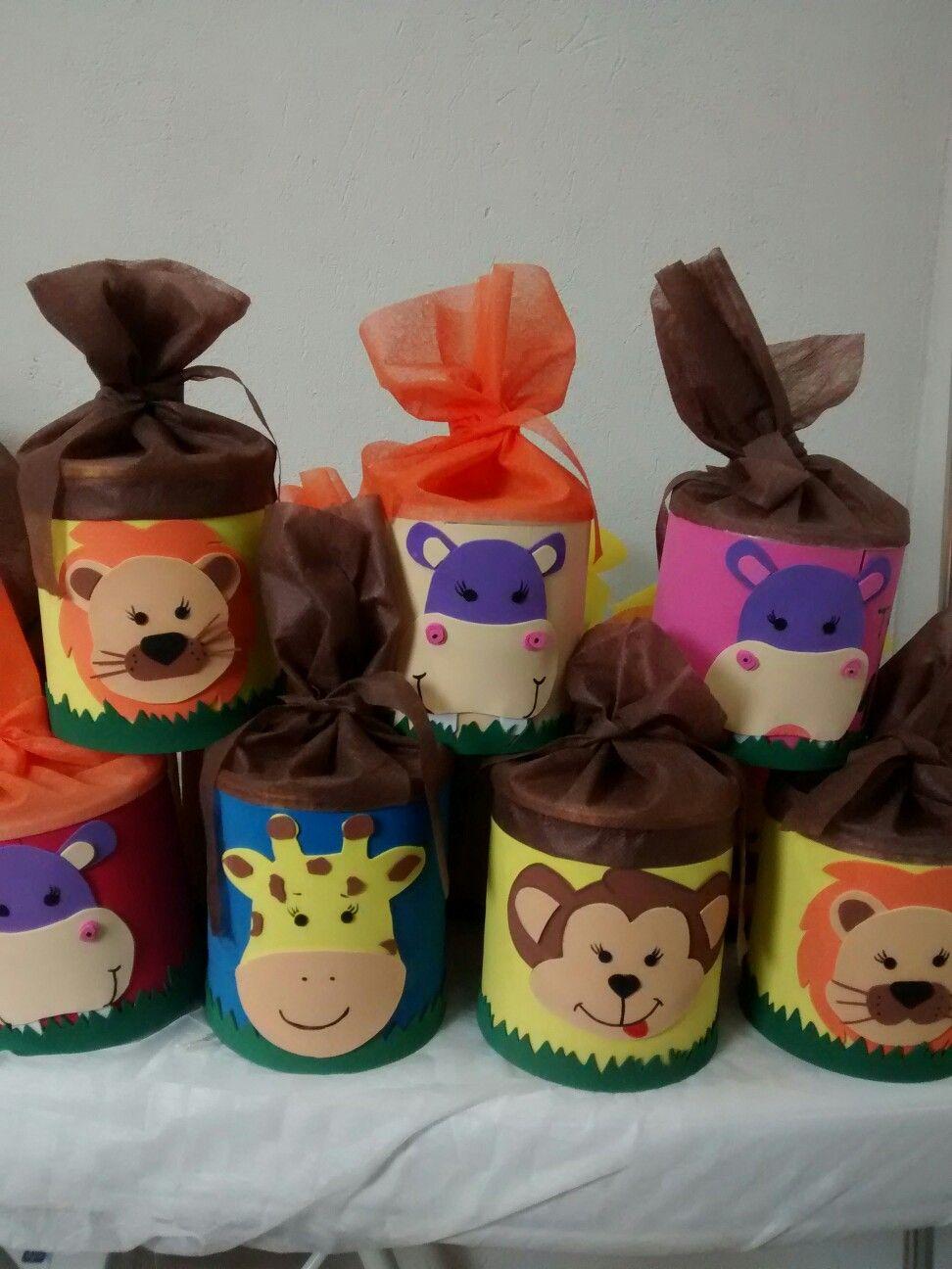 latas decoradas com Eva e tnt Fomi Enfeites de festa infantil, Decoracao festa safari e  -> Decoração De Aniversario Infantil Com Tnt