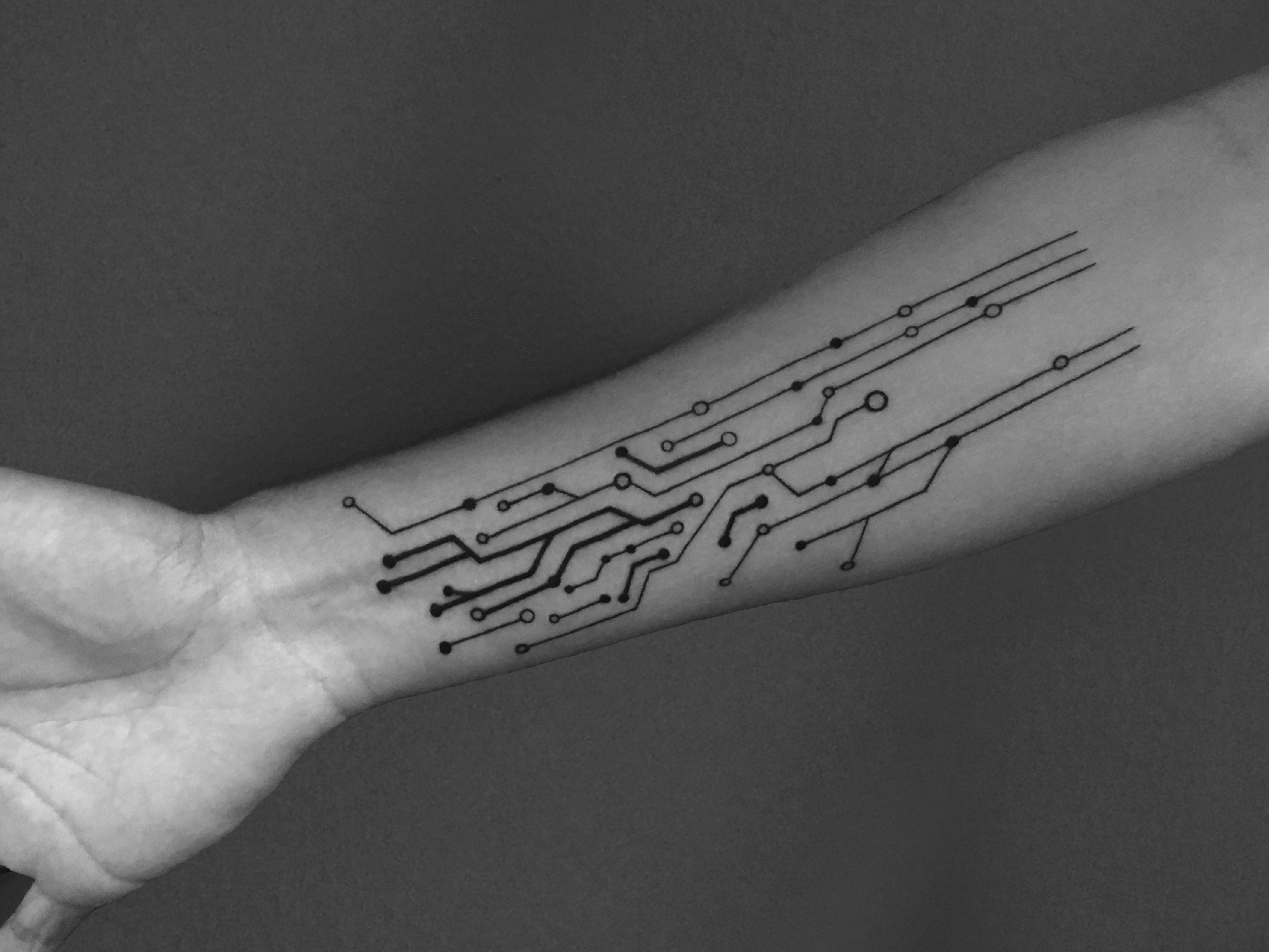 Circuit Tattoo Done By Clark Seiger Kings Avenue Vector Tree Stock Photo Image 34279490 Massapequa Ny