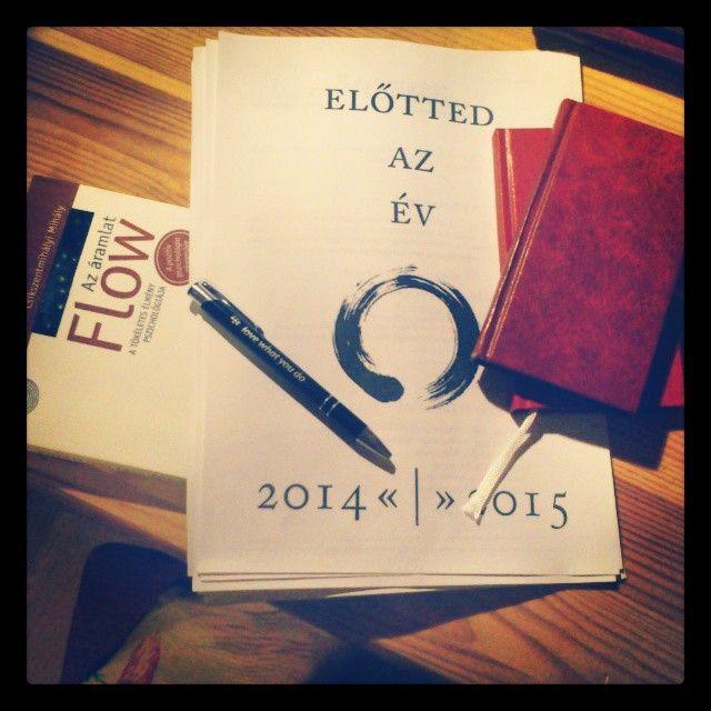 """#lovewhatyoudo #yearcompass #done #mylist #evrendezes #eviranytu #goals #2015 #flow #bucketlist #sosemkeso #elottedazev"""