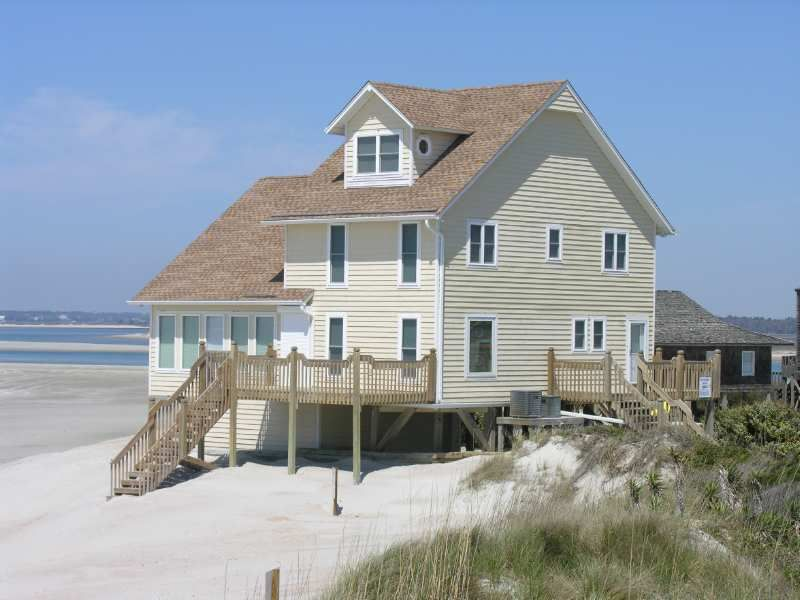almond house a 3 bedroom oceanfront rental house in emerald isle rh pinterest com