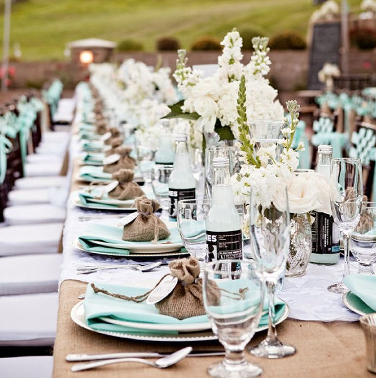 What A Beautiful Table I Love The Sky Blue Mixed With Brown For An