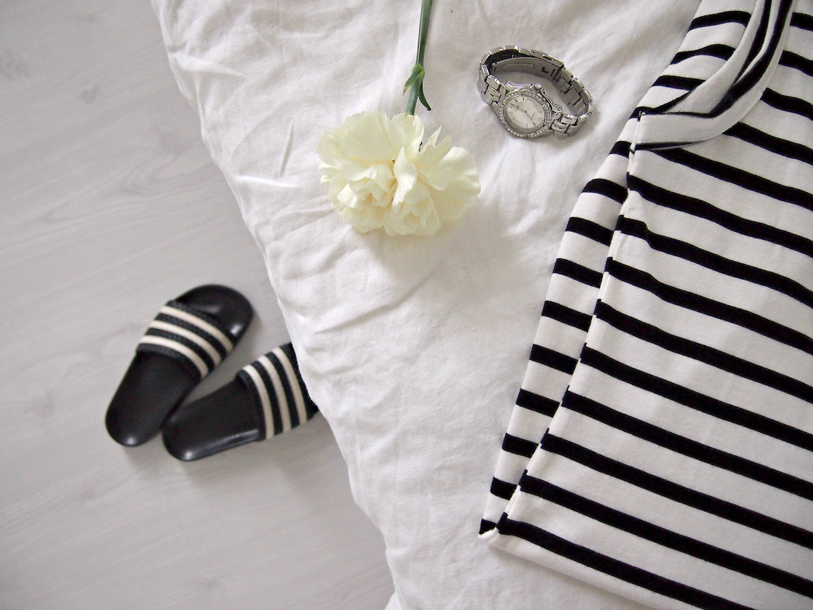 Hannas Home / summer favourites / Adidas sandals / Guess watch
