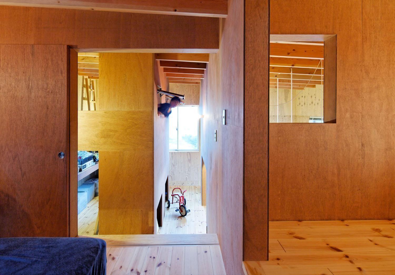 廊下(スキップフロアの家) - その他事例|SUVACO(スバコ)
