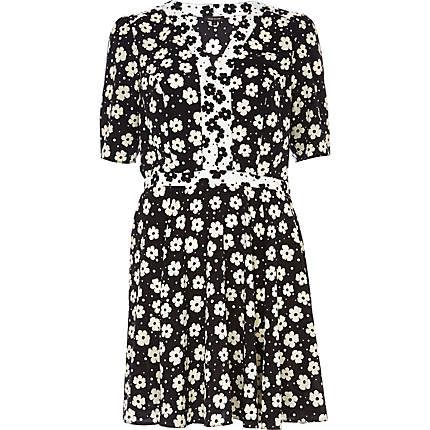 Black floral print contrast trim tea dress $70.00