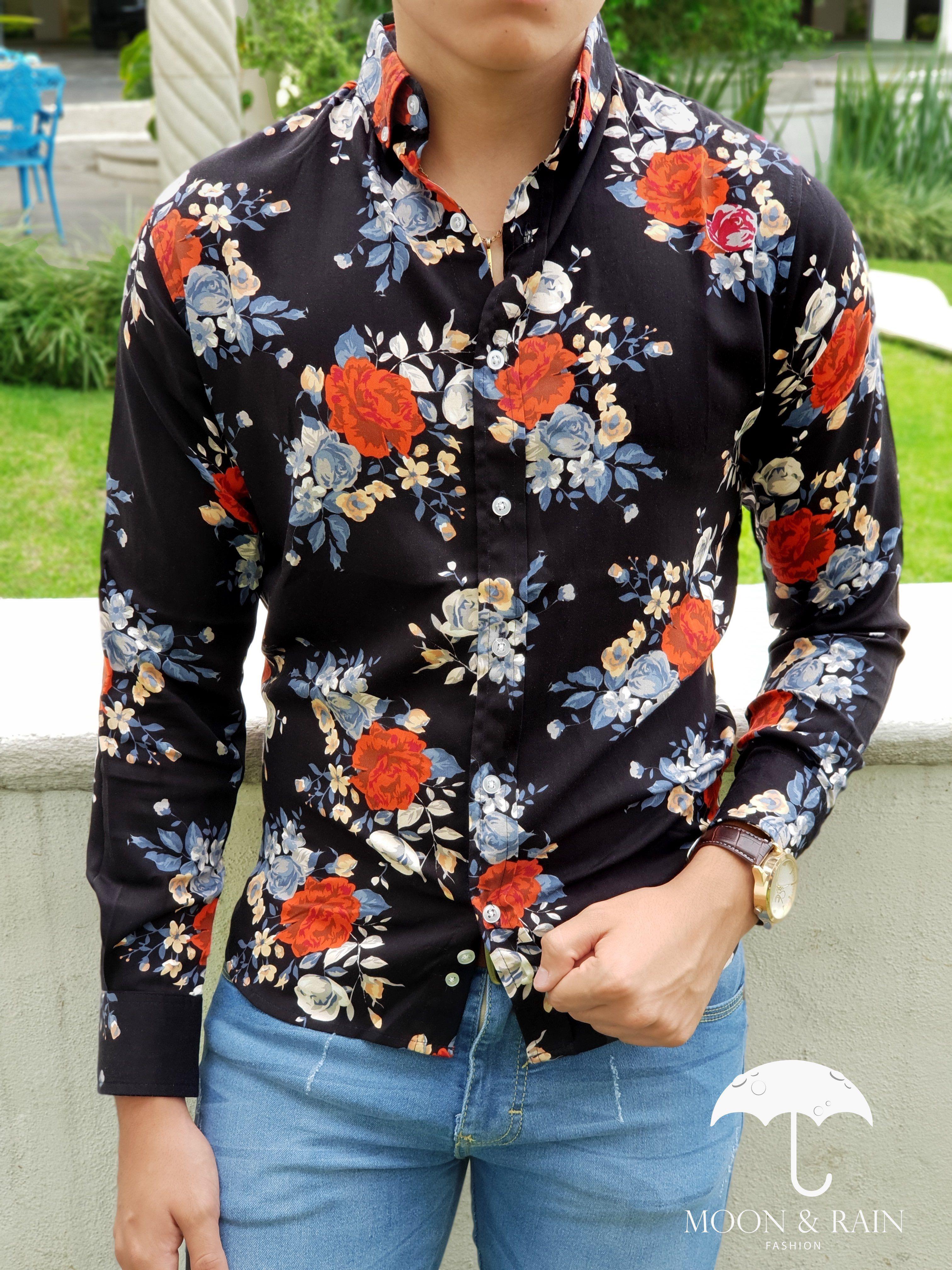 2ed7b7b565b22 Outfit para hombre  camisa negra con flores rojas y blancas en manga larga