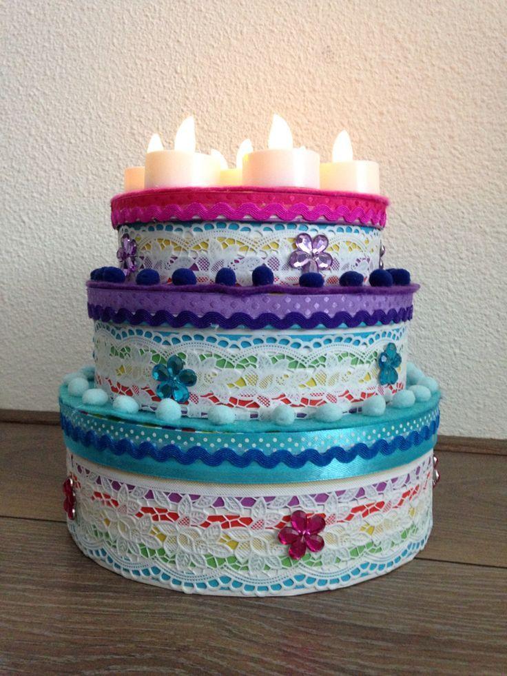 nep taart Een zelfgemaakte nep taart (probeer de taart zoveel mogelijk op  nep taart
