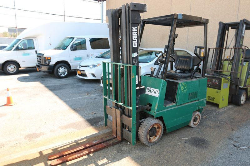 1994 Clark Fork Lift, VIN/Serial# GR71484670FA Age, inoperable, no - Equipment Bill Of Sale
