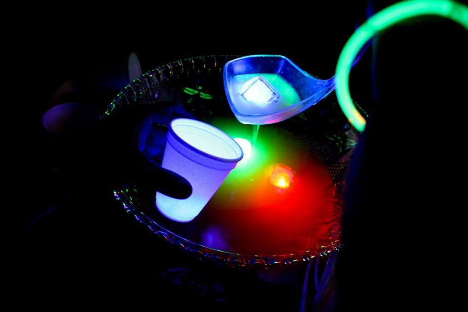 Light up ice cubes for glow in the dark party