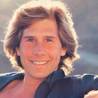 Men Feathered Hair Google Search Feathered Hairstyles Boys Haircuts Parker Stevenson