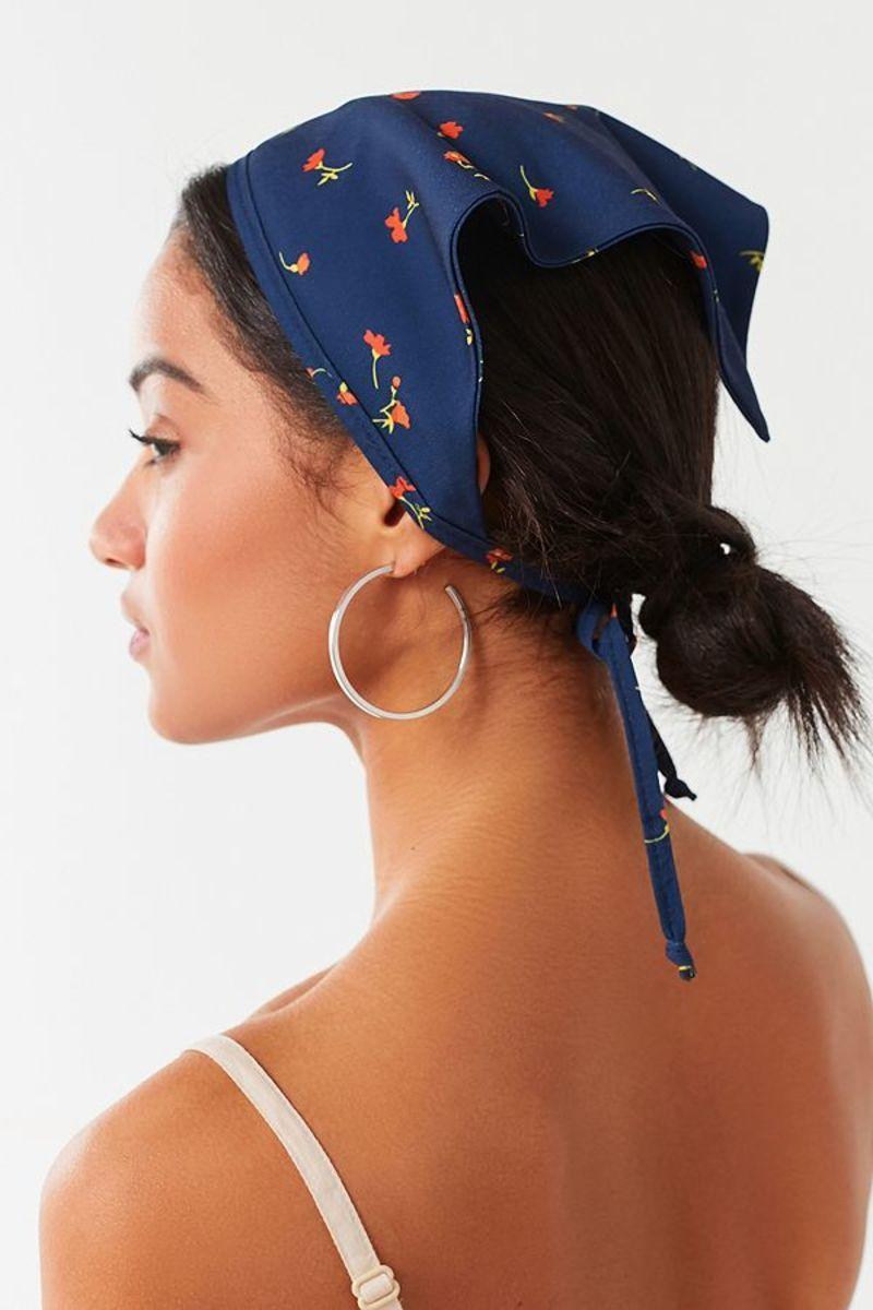 Girl With A Bandana Handkerchief Around Head Bandana Hairstyles Bandana Hairstyles Short Scarf Hairstyles