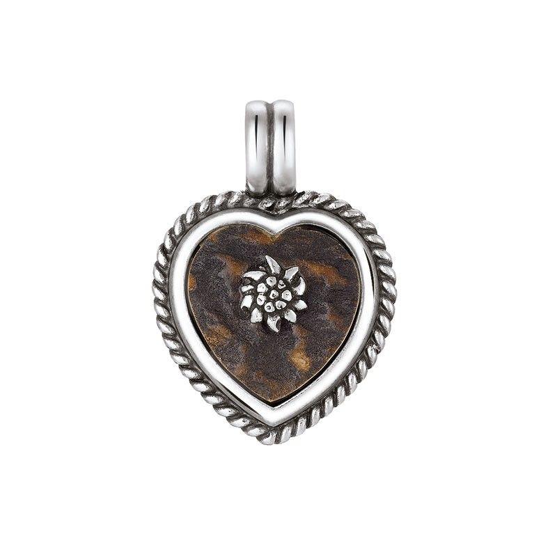 """Anhänger """"Herz"""" aus Silber 925 Sterling mit Horn. Der Anhänger ist in Form eines Herzens gearbeitet. Ein Edelweiß ist in der Mitte der Hornplatte stilisiert. Das Schmuckstück ist rhodiniert, somit verliert es nie seinen Glanz."""
