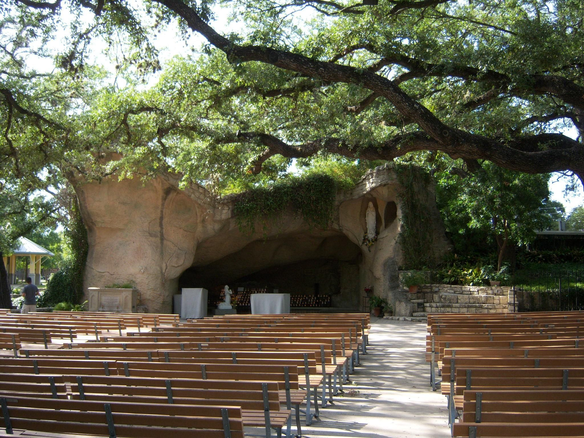 Our Lady Of Lourdes Grotto Of The Southwest San Antonio Tourist Lourdes Grotto Lady Of Lourdes Our Lady Of Lourdes