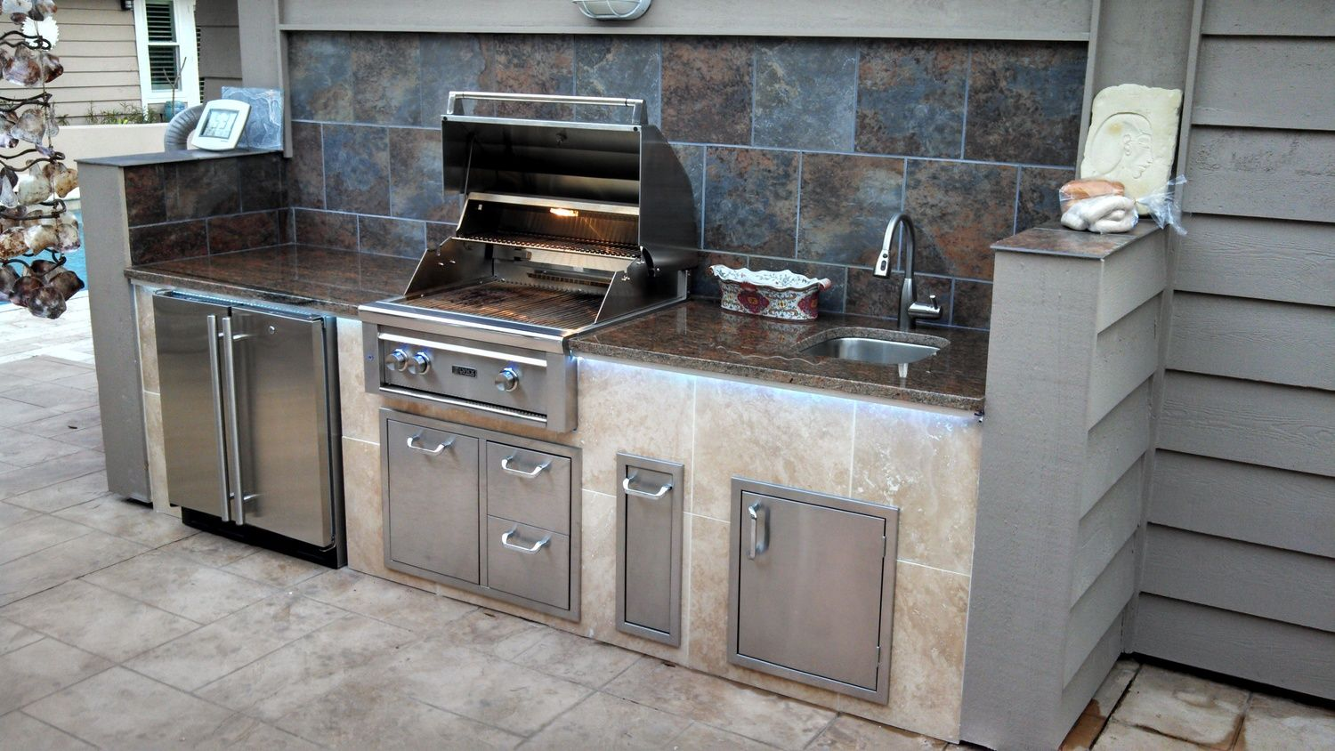 Outdoor Kitchens With Led Lighting 36 Photos Outdoor Living Design Outdoor Kitchen Outdoor Living