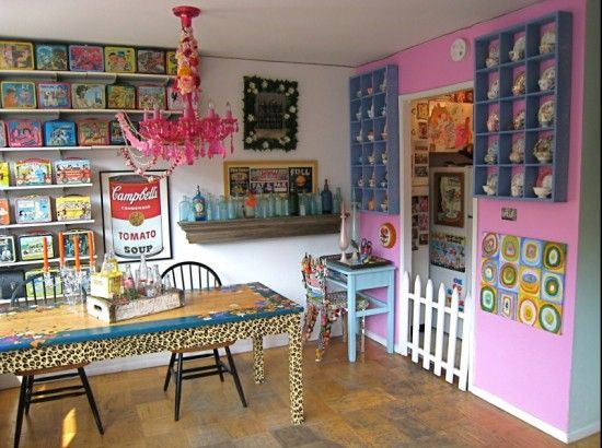 Quirky Dining Room Design http://www.myhomerocks.com/2012/02/quirky-dining-rooms/